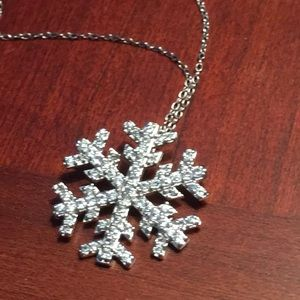 Jewelry - Diamond chip sterling silver snowflake necklace